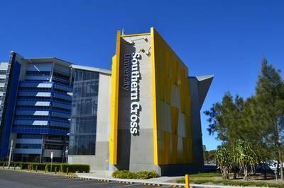 بورسیه های کارشناسی دانشگاه Southern Cross استرالیا برای رشته های فناوری اطلاعات و بازرگانی